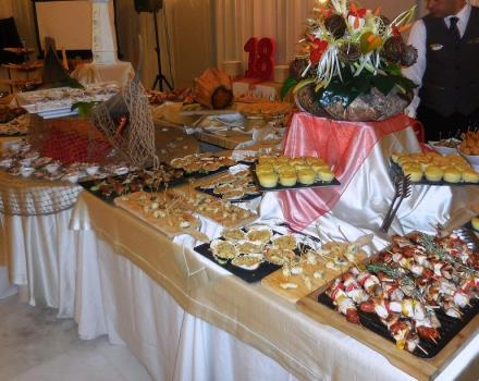 Our sweet and savoury buffet for dinners and chic aperitifs and delicious!