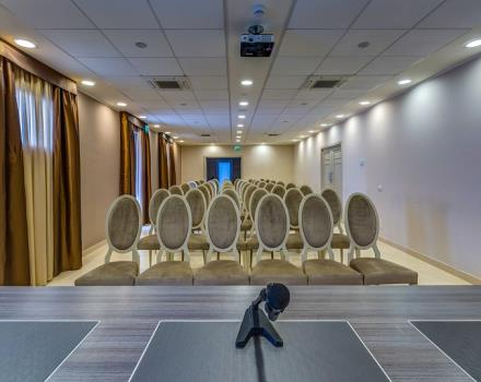 Best Western Plus Hotel Perla del Porto, 4 star hotel in Catanzaro, has a well-equipped meeting centre