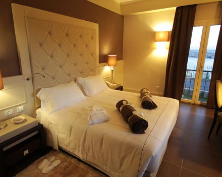 Discover the comfortable rooms at the Best Western Plus Hotel Perla del Porto in Catanzaro Lido