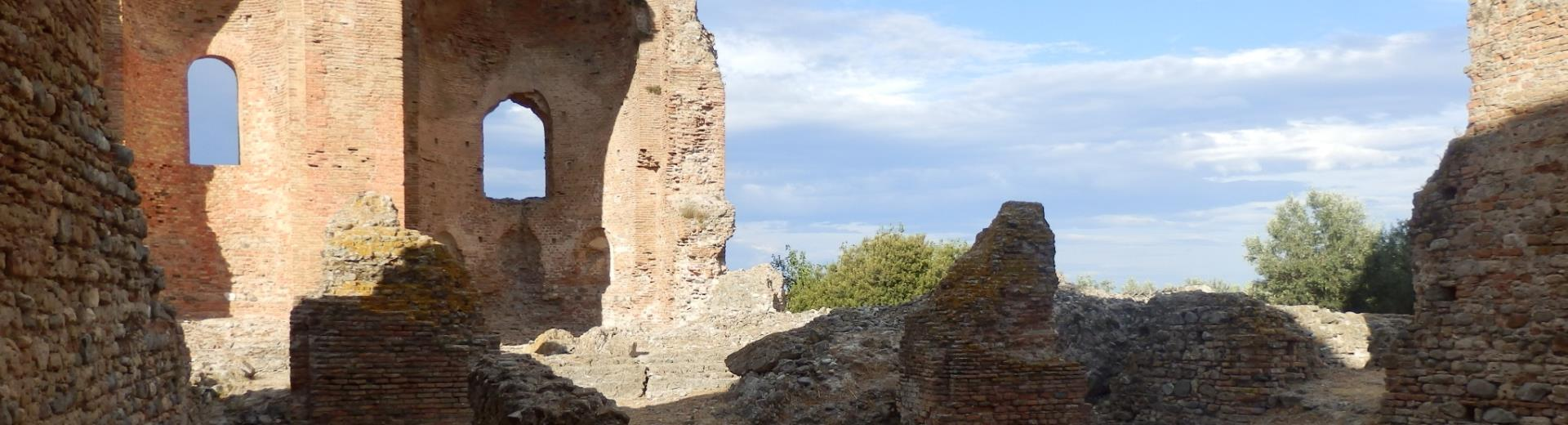 Follow the advice of BW Plus Hotel Perla del Porto and visit the Archaeological Park of Scolacium