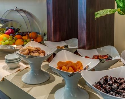 Buffet breakfast with sweet and savoury products and at the Best Western Plus Hotel Perla del Porto, 4 star hotel in Catanzaro