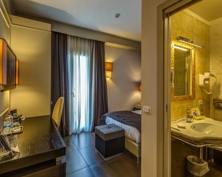 The Classic rooms of the Best Western Plus Hotel Perla del Porto, 4 star hotel in Catanzaro, offers a range of facilities for an unforgettable holiday