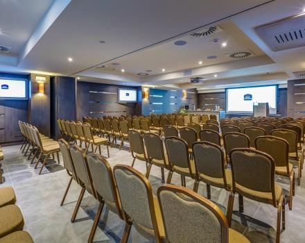 Best Western Plus Hotel del Porto offers a well-equipped conference centre