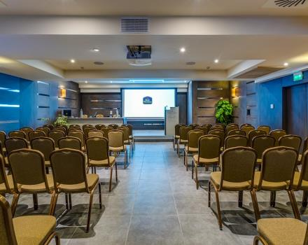 Best Western Plus Hotel Perla del Porto, 4 star hotel in Catanzaro Lido, offers a spacious Congress Centre